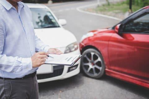 Verkehrsunfall - Überprüfungsfrist des Haftpflichtversicherers des Unfallgegners