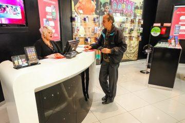 Mobilfunkvertrag – fristlose Kündigung und ersparte Aufwendungen des Mobilfunkanbieters