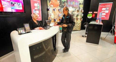 Mobilfunkvertrag - fristlose Kündigung und ersparte Aufwendungen des Mobilfunkanbieters