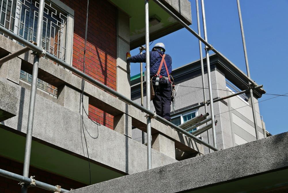 Grenzüberbau - Veränderung eines bereits vorhandenen nicht überbauenden Gebäudes