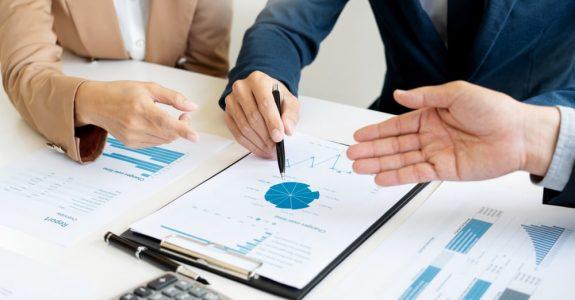 Durchführung einer Unternehmensanalyse - Kündigung vor Aufnahme der Leistungserbringung
