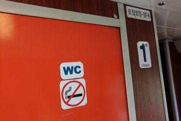 Quälender Harndrang wegen nicht funktionsfähiger Toilette in Regionalbahn – Schadensersatz