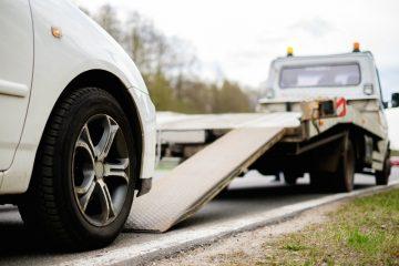 Verkehrsunfall – Erstattungsfähigkeit von Abschleppkosten