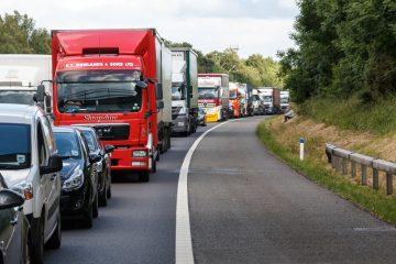 Verkehrsunfall bei Fahrspurwechsel im Reißverschlussverfahren