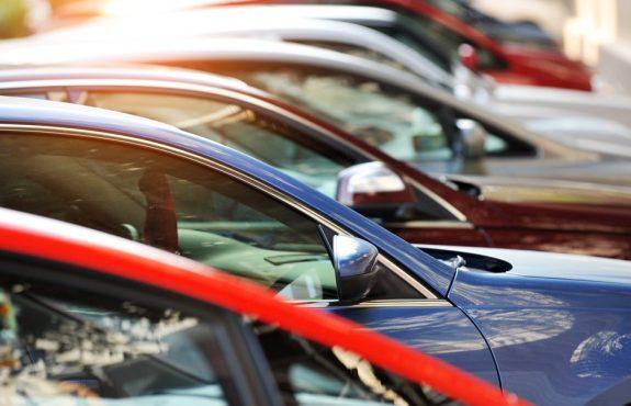 "Gebrauchtwagenkaufvertrag – Rücktritt wegen ""Ruckeln"" des Fahrzeugs"