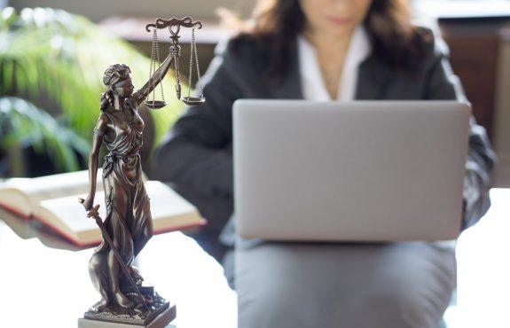 Streitwertbeschwerde - eigennützige eines Rechtsanwalt zulässig?