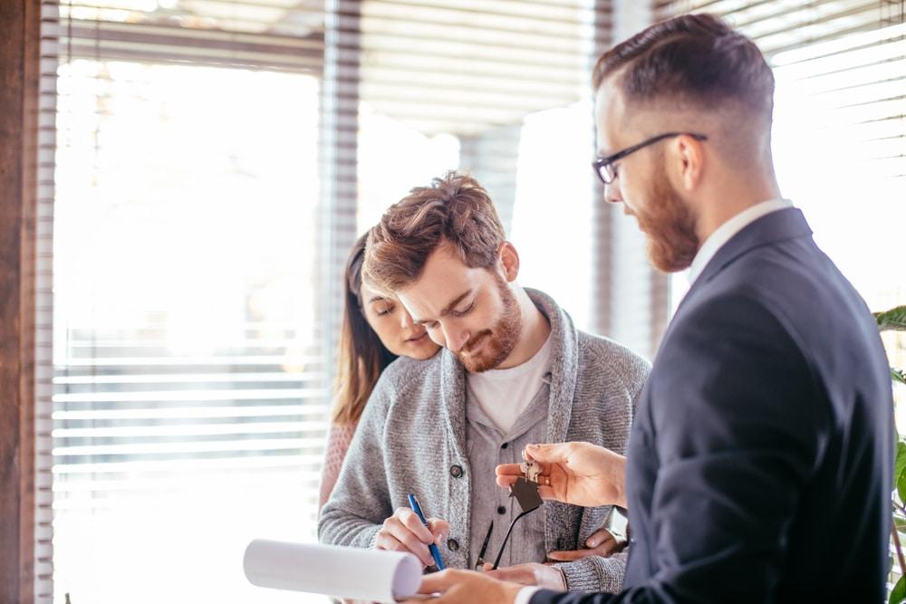 Maklervertrag über Dienstleistungen - Wirksamkeit eines Widerrufs