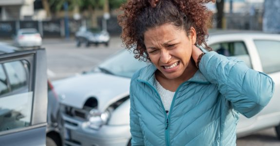 Verkehrsunfall - Unfallbedingtheit einer HWS-Distorsionsverletzung