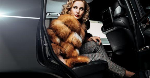 Wertsachenversicherung - Belassen eines Pelzmantels im Inneren eines Fahrzeugs