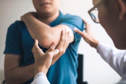 Verkehrsunfall - Schmerzensgeld bei Entfernung des Schleimbeutels am linken Ellenbogen