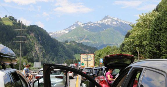 Verkehrsunfall Schweiz - Anscheinsbeweis nach deutschem Recht?