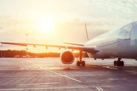 Flugverzögerung -Außerplanmäßige Zwischenlandung wegen eines randalierenden Passagiers