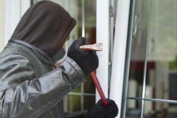 Einbruchsdiebstahl – Obliegenheitsverletzung bei Hausratversicherung bei Fenster in Kippstellung