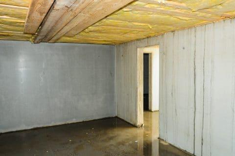 kunternehmerhaftung -  Erneuerung von Holzbalken in einer Kellerraumdecke