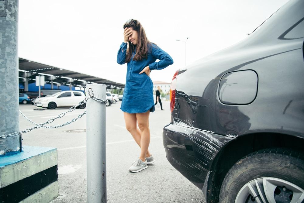 Verkehrsunfall zwischen zwei ausparkenden Fahrzeugen