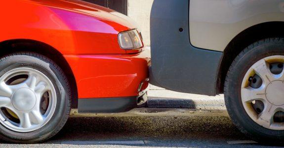 Mithaftung Verkehrsunfall bei Parken im eingeschränkten Halteverbot