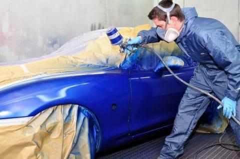 Verkehrsunfall: Ersatzfähigkeit von Kosten für UPE-Aufschäge und Beilackierung