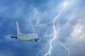 Ausgleichszahlungsanspruch bei großer Verspätung infolge Flugzeugschadens durch Blitzschlag