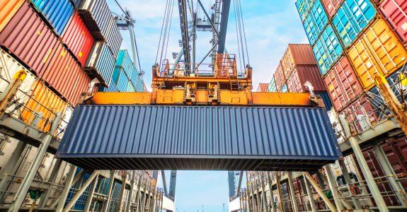 Verfrachterhaftung für Beschädigung eines Containers und darin befindliche Ladung
