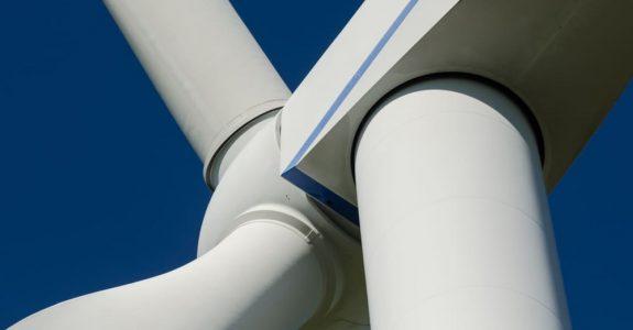 Windkraftanlage - Einbau eines gebrauchten generalüberholten Getriebes - Schadensersatz