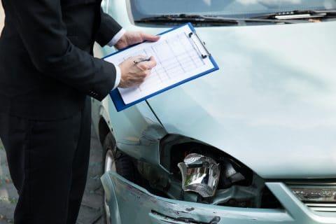 Verkehrsunfall - Sechsmonatsfrist bei fiktiver Abrechnung der Reparaturkosten