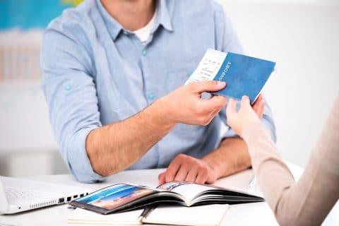 Pauschalreisevertrag - Kündigung des Reisevertrags wegen politischer Unruhen