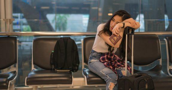 Flugreisevertrag - Anspruch auf Betreuungsleistungen bei unplanmäßigen Zwischenstopps