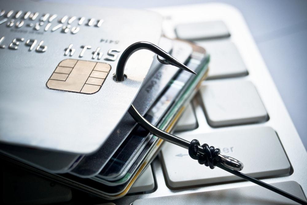 Girokontobelastungen nach EG-Kartenmissbrauch - Ausgleichsklage gegen Bank