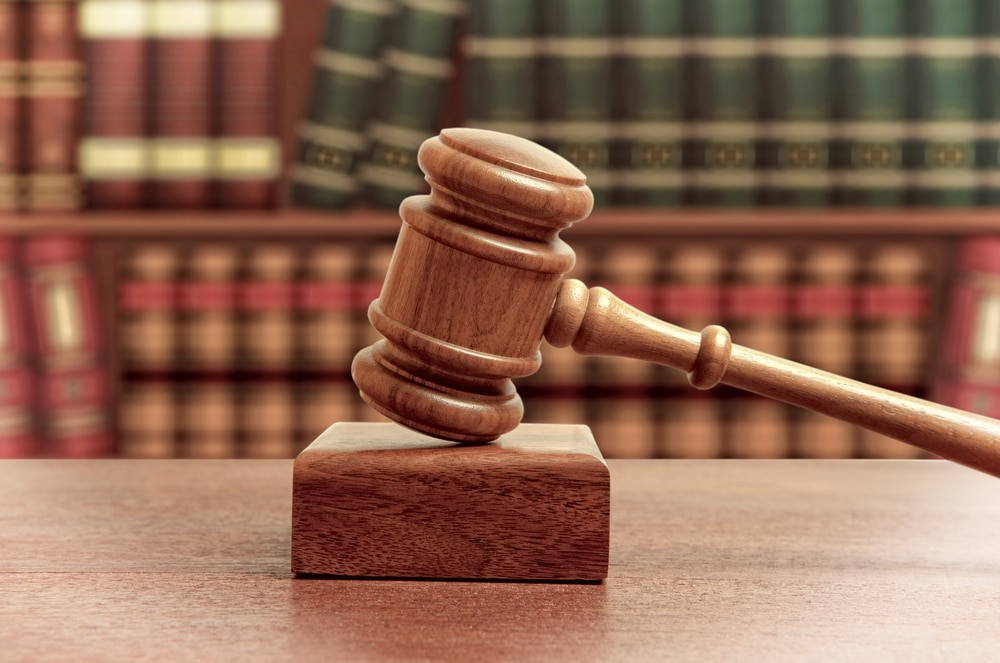 Kostenhaftung bei Klageeinreichung ohne Hinweis auf PKH-Bewilligung