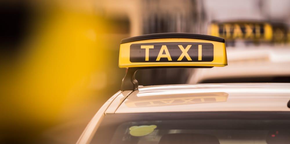 Verkehrsunfall - Kostenerstattung für Anmietung eines Ersatztaxis