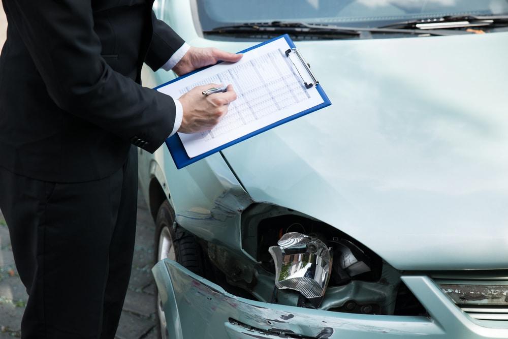 Verkehrsunfall - angemessene Prüfungsfrist der gegnerischen Haftpflichtversicherung