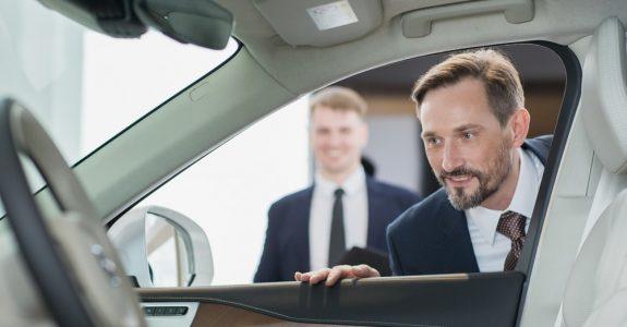 Fahrzeugkaufvertrag - Arglistiges Verschweigen eines Mangels und Gewährleistungsausschluss