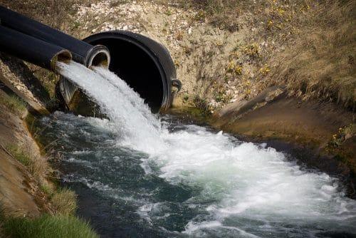 Störer- und Schadensersatzhaftung des Oberliegers - Abfluss von Drainagewasser