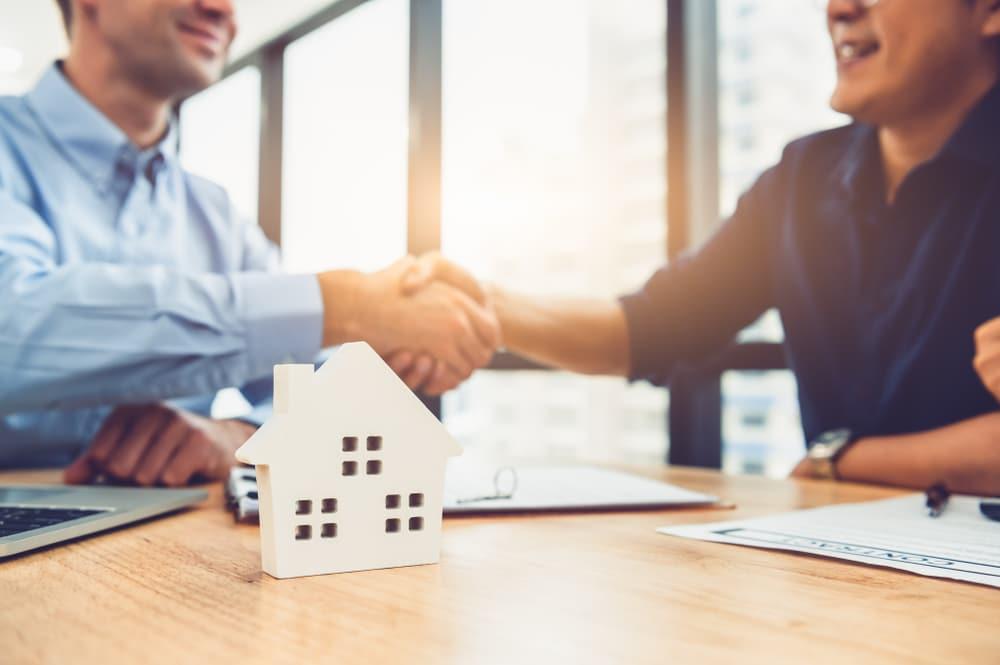 Grundstückskaufvertrag - Ausnahme vom Formzwang wegen treuwidrigen Verhaltens