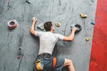Absturzunfall in Kletterhalle – Haftung der Sicherungsperson und der Betriebsführerin