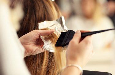 Schadensersatzpflicht eines Friseurs bei Benutzung eines allergieauslösenden Haarfärbemittels