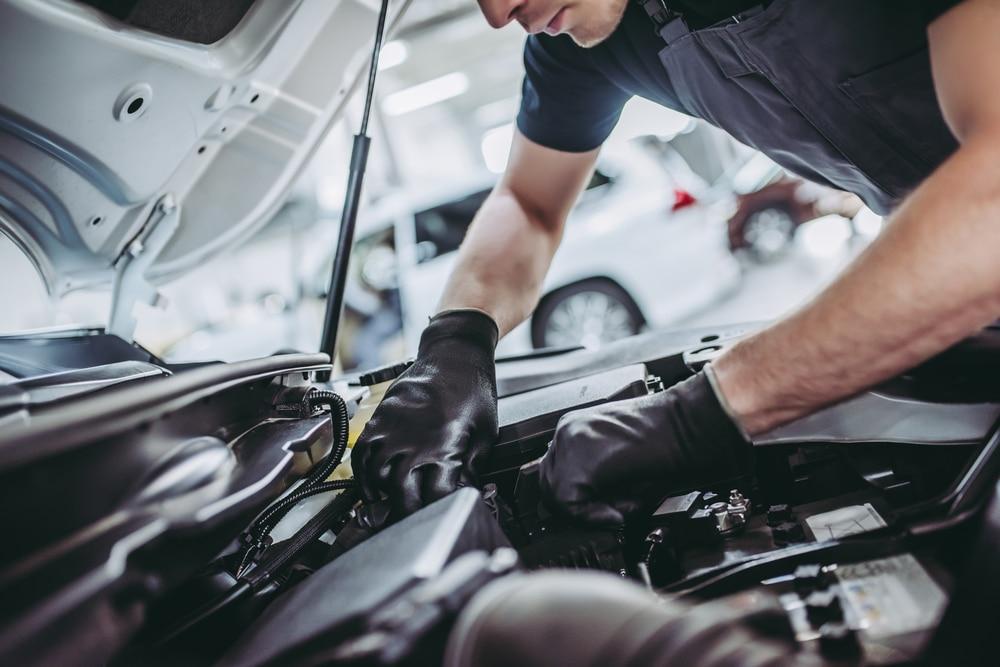 Kraftfahrzeugwerkstattbetreiberhaftung - Einbaus eines nicht vereinbarten Austauschmotors