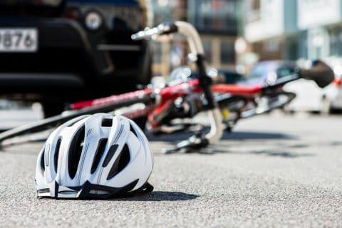 Verkehrsunfall – Kollision Rechtsfahrer mit falschfahrendem Fahrradfahrer