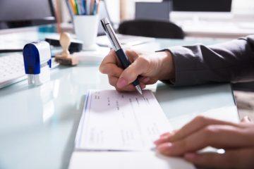 Bankenhaftung bei unrechtmäßig ausgeführten Überweisungen – Unterschriftenfälschung