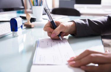 Bankenhaftung bei unrechtmäßig ausgeführten Überweisungen - Unterschriftenfälschung