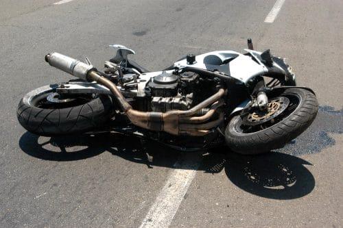 Verkehrsunfall - Verletzungen eines Motorradfahrers im Genitalbereich