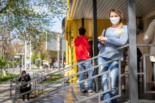 Versammlungsverbot im öffentlichen Raum wegen Coronavirus - Auslegung