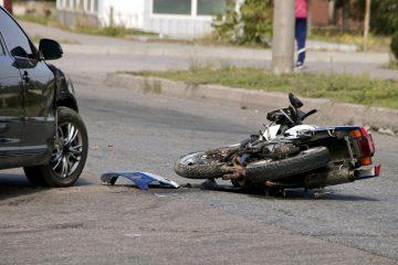 Verkehrsunfall – Mitverschulden Motorradfahrer wegen Nichttragens von Protektorenschutzkleidung