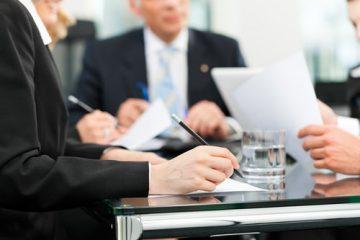 Anwaltliche Erstberatung – Hinweispflicht des Anwalts auf Rechtsanwaltsgebühren?