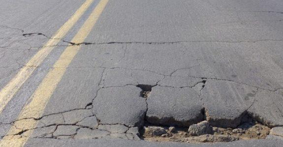 Verkehrssicherungspflicht - Fahrzeugschaden durch großes Schlagloch auf einer Bundesautobahn