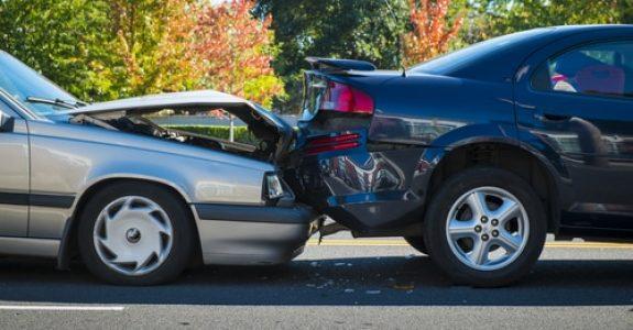 Verkehrsunfall - Auffahrunfall nach starkem Bremsen ohne zwingenden Grund