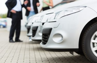 Fahrzeugkaufvertrag - Täuschung über Unternehmereigenschaft