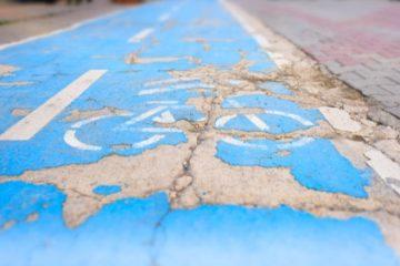 Verkehrssicherungspflicht des Straßenbaulastträgers – Schlagloch auf Radweg
