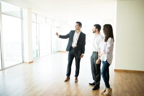 Maklervertrag - Konkludenter Abschluss trotz Vorkenntnis des Kunden