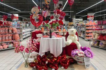 Verkehrssicherungspflicht Supermarkt – Aufstellen von Blumenständern im Kassenbereich